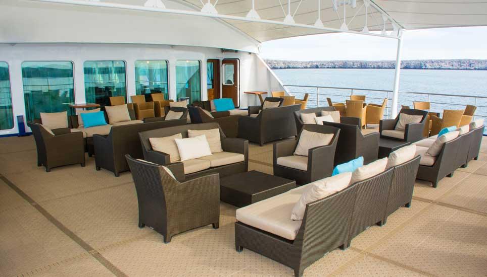 Santa Cruz II deck seating
