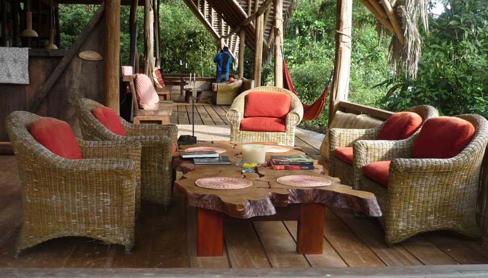 El Monte lounge