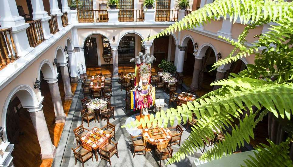 Patio Andaluz dining
