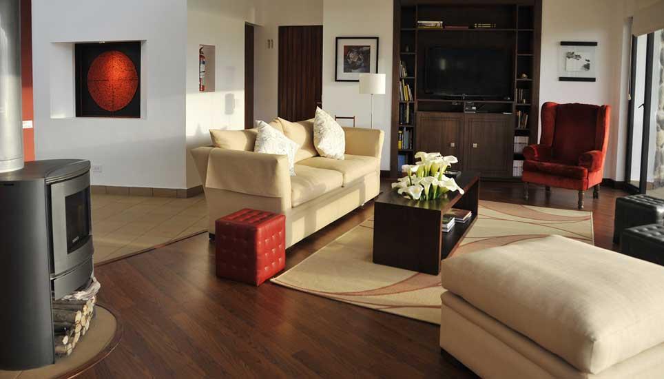 Sacha Ji lounge