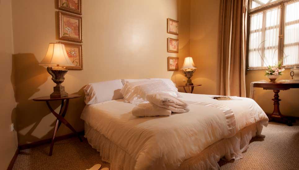 hotel carvallo room