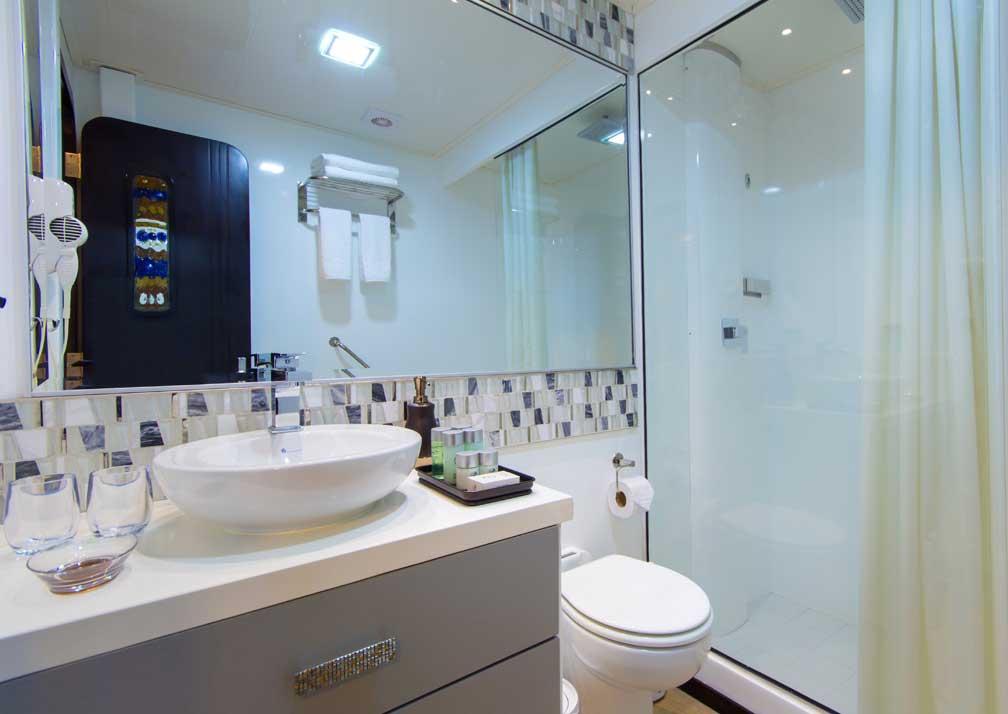 Alya-R19-3-Bathroom