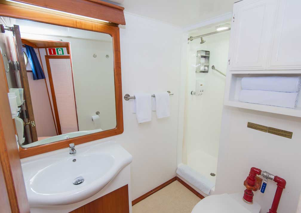 Beluga-R19-4-Bathroom