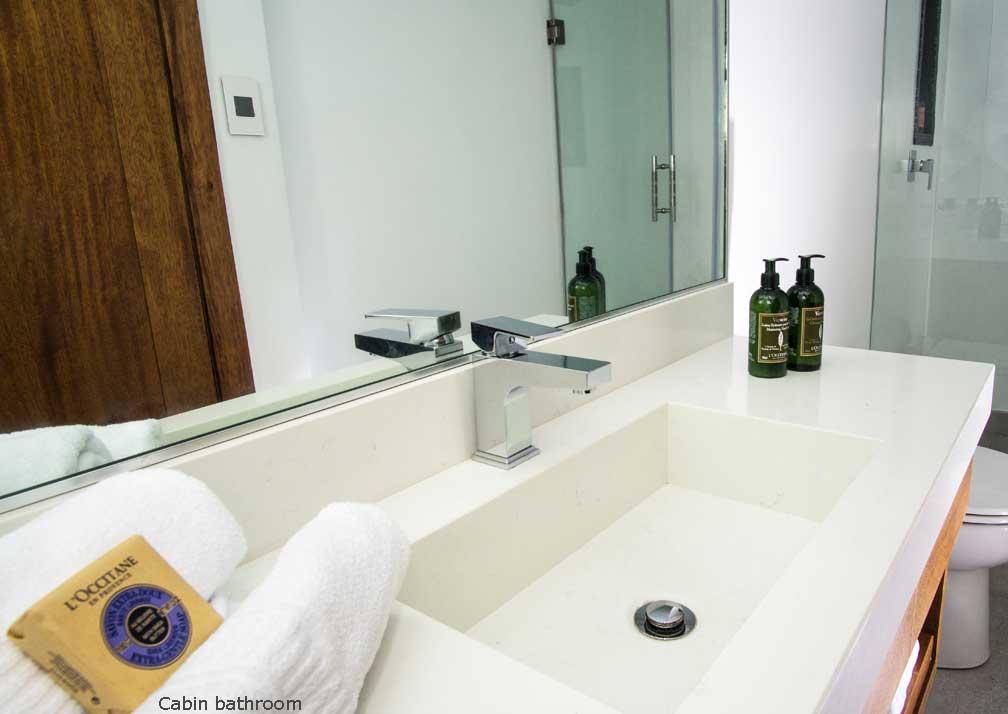 Infinity-R19-3-Bathroom