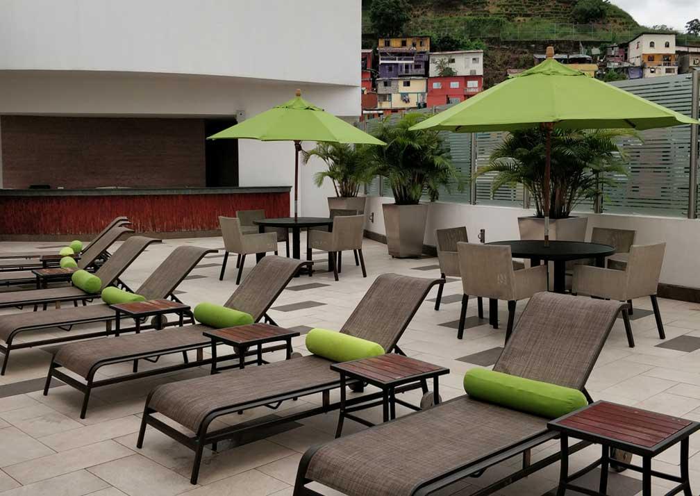 Wyndham Guayaquil sun deck