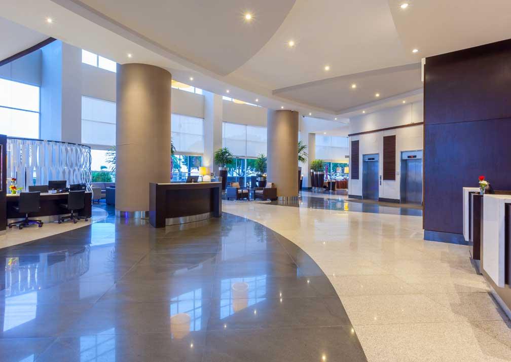 Wyndham Guayaquil lobby