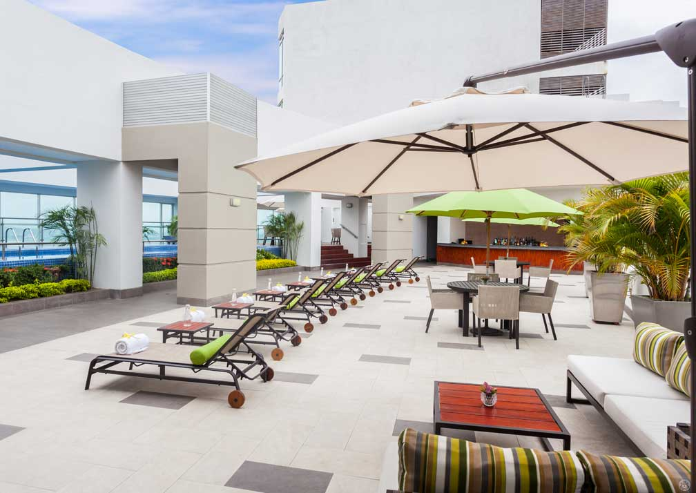 The roof terrace at Wyndham Guayaquil