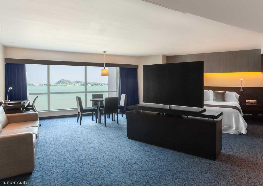 Wyndham Guayaquil junior suite